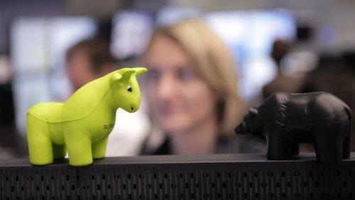 Börse: Dax dreht nach Rekordhoch ins Minus