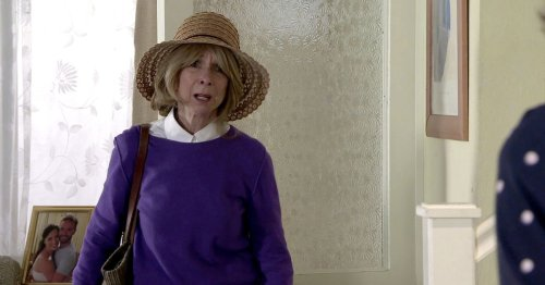 Corrie viewers spot the same problem with Gail as she returns from her travels