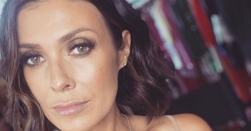 Kym Marsh thrills revellers as she takes to mic on hen do with classic