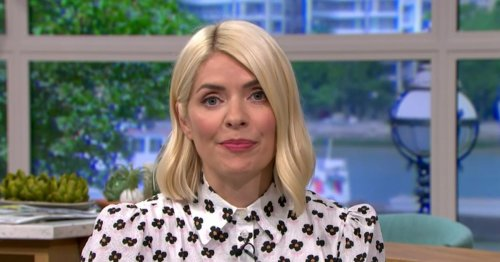 Holly Willoughby 'like a different person' as she goes makeup free with new hair