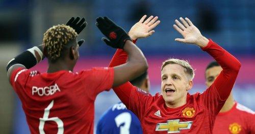 Paul Pogba sent Donny van de Beek warning amid Manchester United contract talks