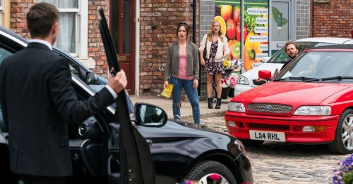 Corrie's Shona and Todd set for unexpected Weatherfield street war