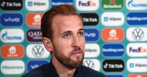 Former Tottenham striker gives Man City stark warning over Harry Kane valuation