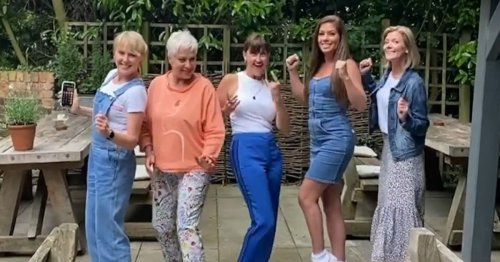 Corrie stars past and present delight fans as they reunite in 'classic' line-up