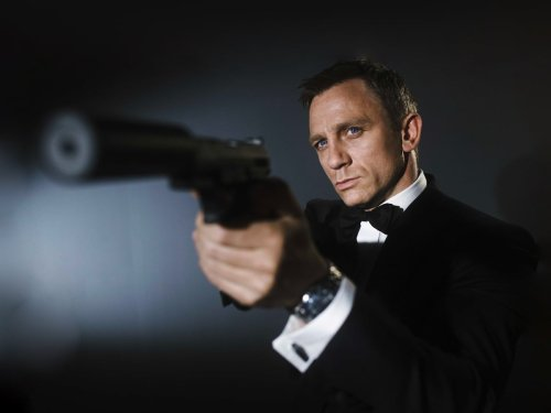 Daniel Craig Says James Bond Shouldn't Be a Woman, But it's Not What You Think