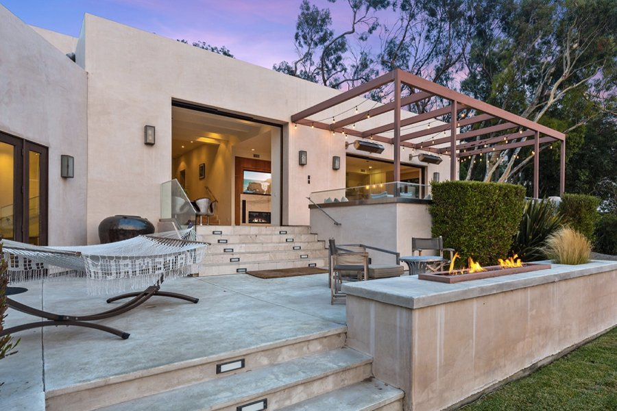 Inside the $5.5 Million Malibu Mansion the Hemsworth Brothers Just Sold