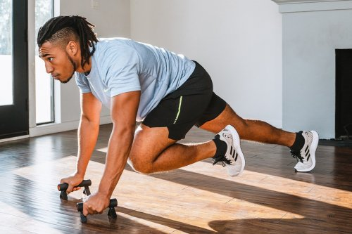 AIIR Fitness Flow Gives You a Chest Workout Wherever You Are