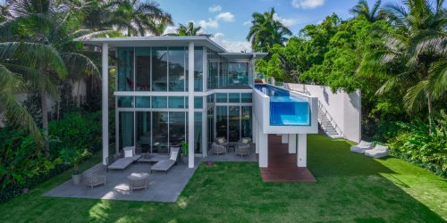The Architect Behind Apple's Iconic Glass Stores Designed This Minimalist Miami Beach House