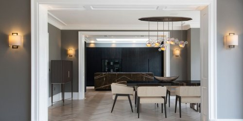 A Former WWII M16 Spy Post Re-Emerges as a Ultra-Modern Mansion