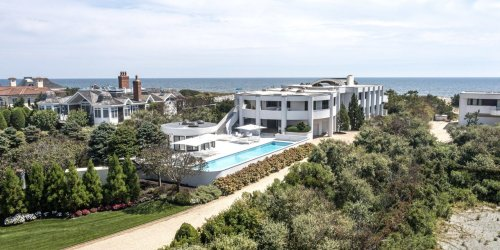 A Curvilinear Oceanfront House in Quogue, New York, Asks $19.8 Million