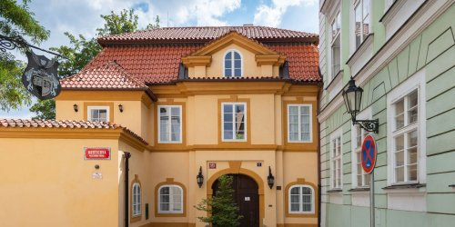 A Notable 17th-Century Architect Built This Charming Baroque Villa in Prague