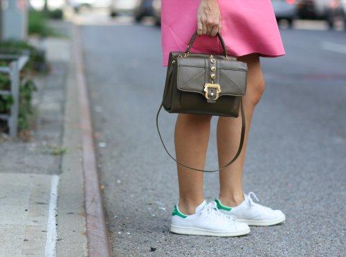 10 deportivas blancas perfectas para llevar también en verano