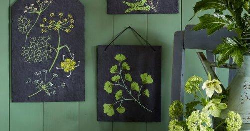 DIY déco : peindre des motifs végétaux sur de l'ardoise
