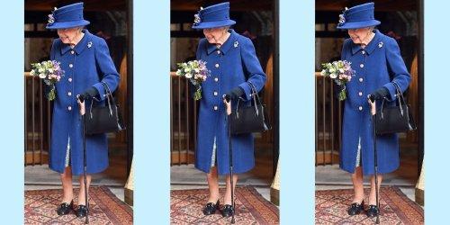 Elizabeth II apparaît en public avec une canne pour la première fois depuis 2004