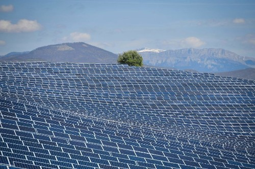 French oil giant Total makes big investment in solar energy - Marketplace
