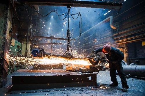 Ross Defends Trump's Steel Tariffs as Layoffs Mount