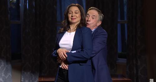 Martin Short joins Maya Rudolph for Kamala and Doug's star-studded 'SNL' Seder