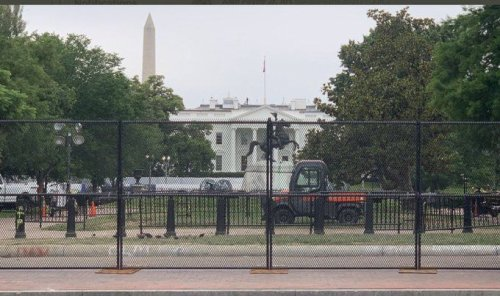 #Babygate Trends After Donald Trump Surrounds The White House With Fencing