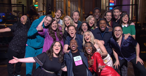 A tearful 'SNL' cold open with the whole cast (plus Chris Rock!) reflects on our 'crazy' year