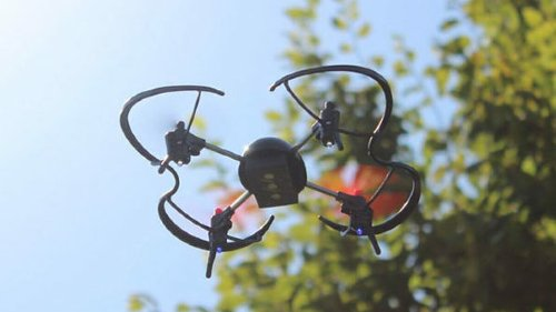 This micro drone demolished its goal on Indiegogo