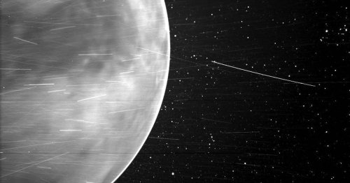 Spacecraft zooms by Venus and snaps a striking image