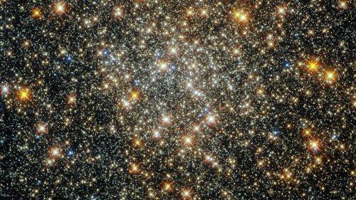 Hubble telescope peers deep into Milky Way galaxy, captures starfield