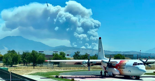 California fire spawns towering, ashy clouds