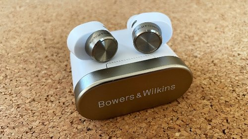 Bowers & Wilkins' Pi7 earbuds: Great sound and noise cancellation