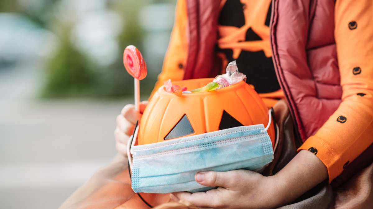 Everything you need to know about celebrating Halloween safely