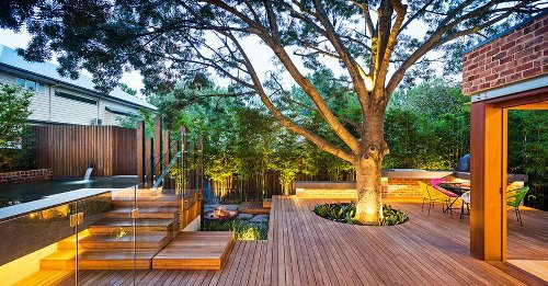 Pool, deck, eco-friendly: This is the typical Australian home