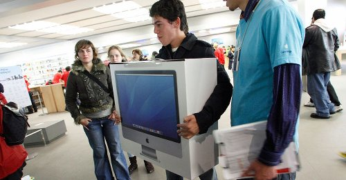 Greek financial crisis sparks gadget-buying frenzy with Macs high on the list