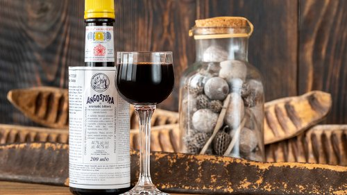 The Surprising Reason The Angostura Bitters Label Is Bigger Than The Bottle