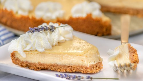 5-Ingredient Cheesecake That Is Dangerously Easy