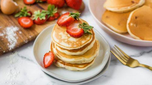 Fluffy Strawberry Pancakes Recipe