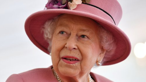 These 3 Items Will Never Appear On The Queen's Dinner Table