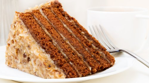 The Real Difference Between German Chocolate Cake And Red Velvet