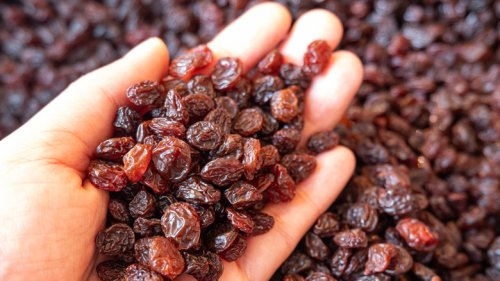 What Are Raisins Really And Are They Nutritious?