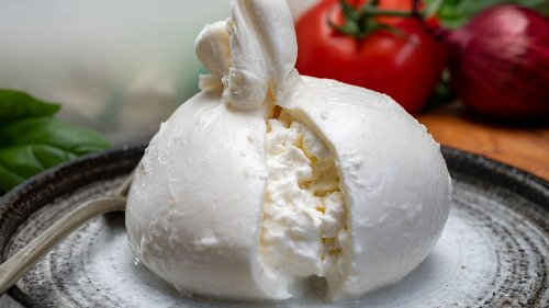 The Big Difference Between Mozzarella And Burrata Cheese