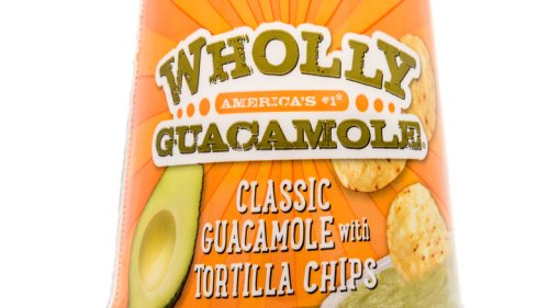 The Real Reason Packaged Guacamole Stays Green