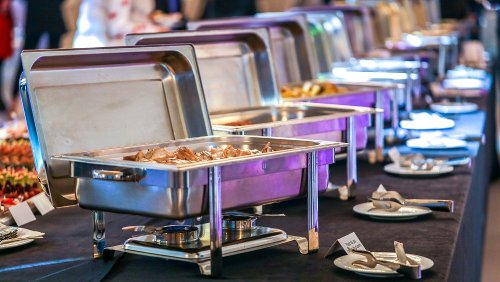 The One Food You Should Absolutely Never Touch At A Buffet
