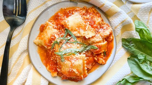 Easy Slow Cooker Ravioli Lasagna Recipe Will Be Your New Favorite Italian Dish