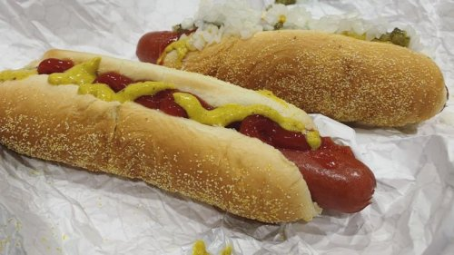 This Is Why Costco's Hot Dogs Are So Good