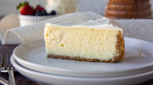 This Copycat Cheesecake Factory Cheesecake Recipe Is Too Good