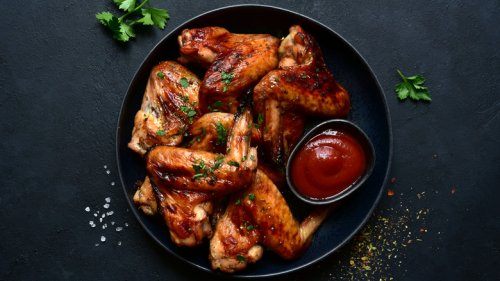 Mistakes People Make When Grilling Chicken Wings