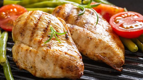 Grillmaster Reveals The Most Common Mistakes You're Making While Grilling Chicken Breasts