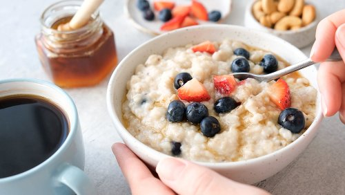 Huge Mistakes Everyone Makes With Oatmeal