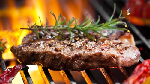 Grillmaster Reveals The Most Common Mistakes You're Making While Grilling Sirloins