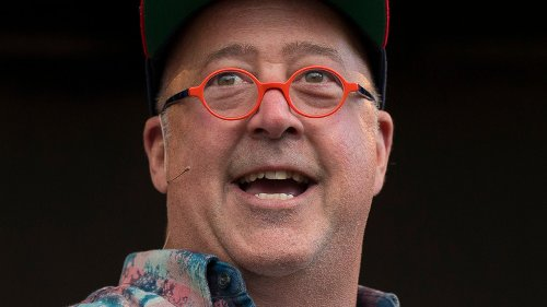 Andrew Zimmern's Tip For Perfectly Blistered Shishito Peppers
