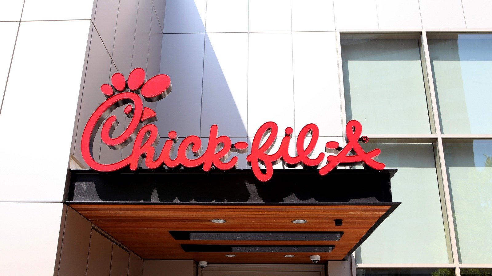 The Real Reason Chick-Fil-A Employees Are So Friendly
