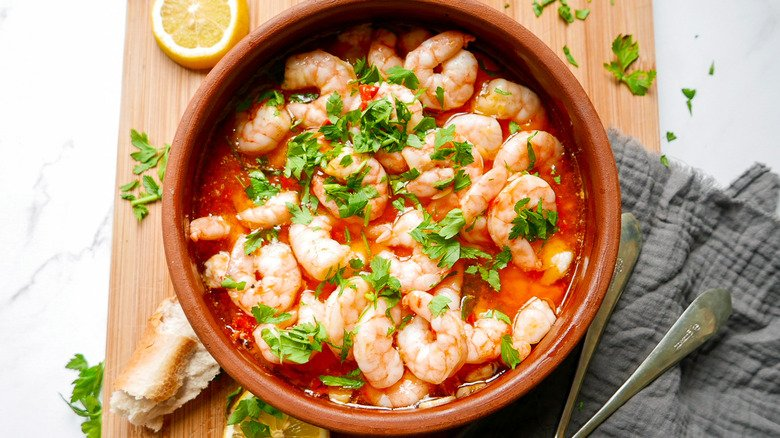 Spanish Garlic Shrimp Has The Perfect Kick With This Ingredient